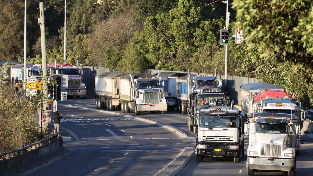 Truckies warn Aussies to prepare as they plan 'to shut the country down'