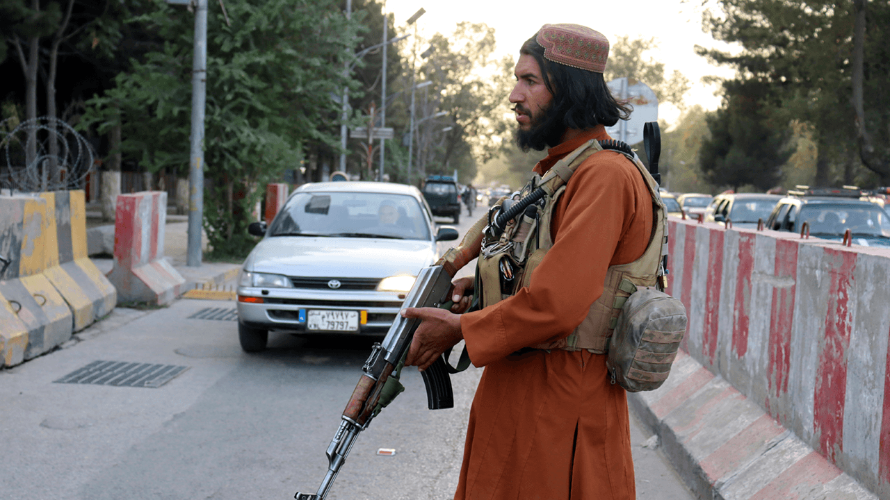 Taliban blocking Afghans, foreign citizens from access to evacuation flights