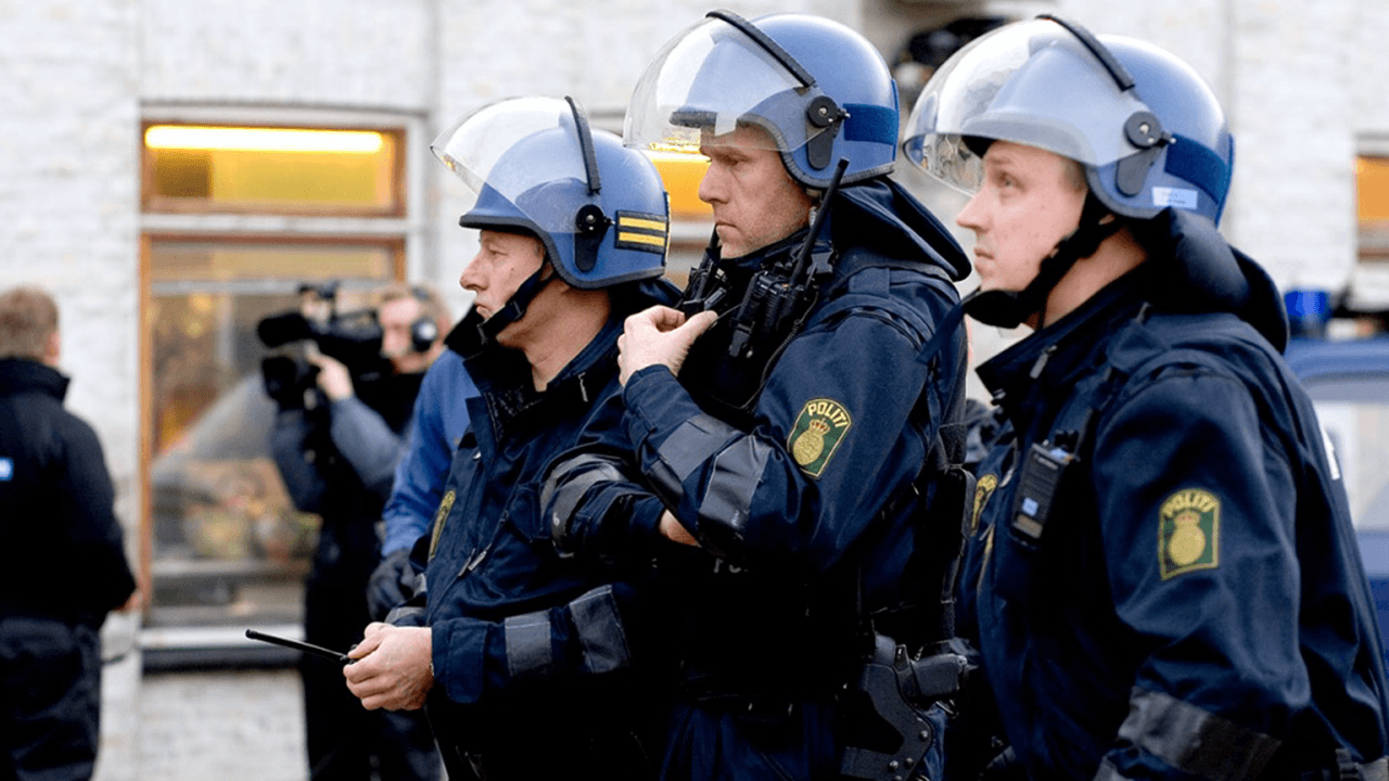 Denmark proposes 37-hour work week for migrants to earn welfare benefits