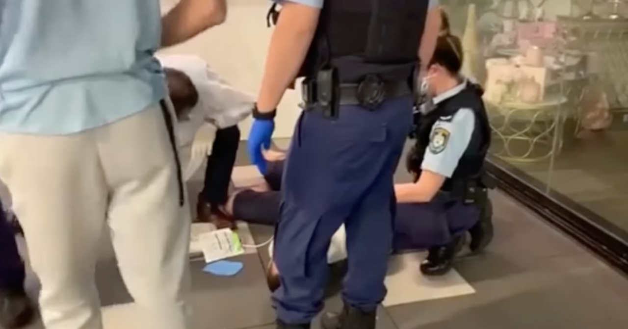 Sydney man has heart attack while being arrested over mask