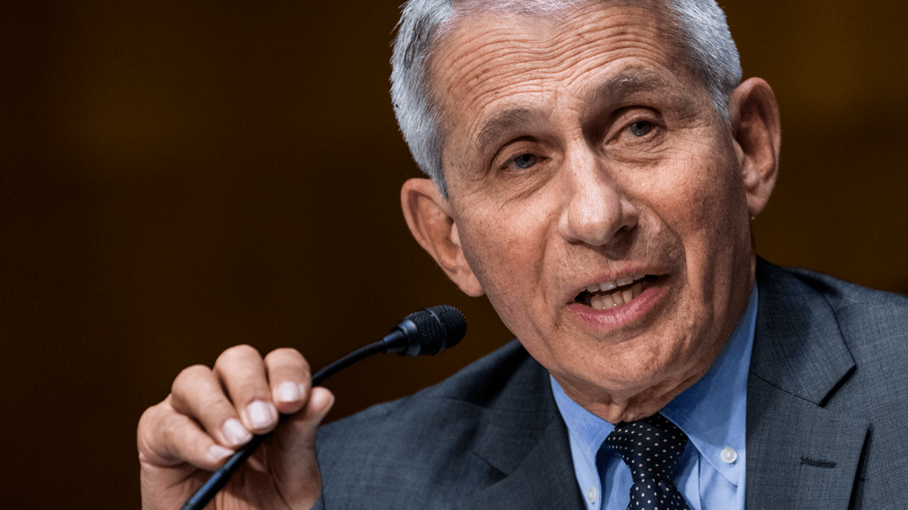 """Could take """"many, many"""" more vaccine mandates to end pandemic, Fauci says"""