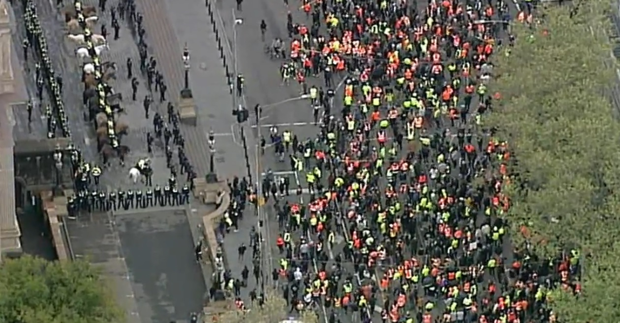 LIVE: Construction workers stage 'freedom' protest in Melbourne