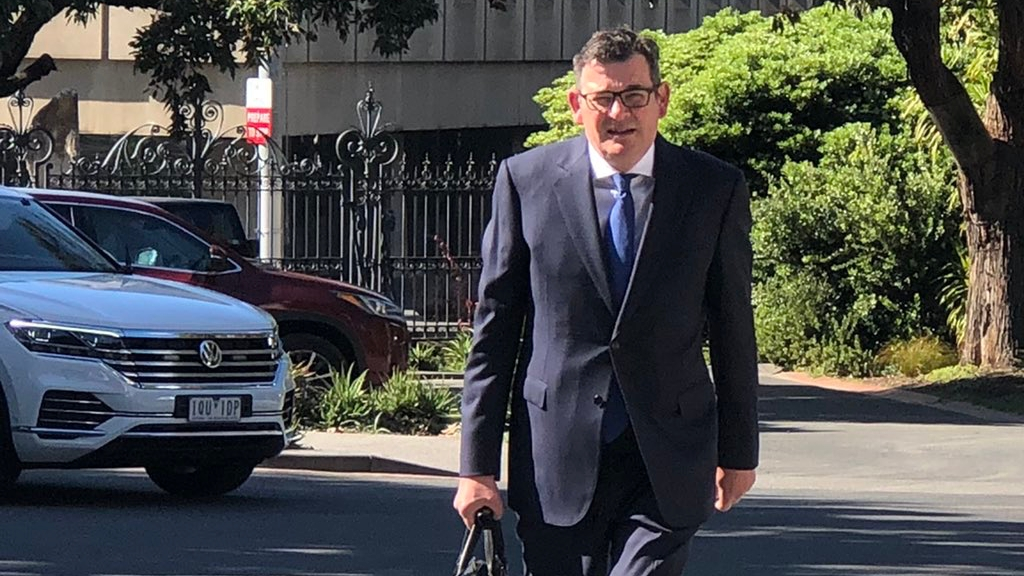 Daniel Andrews FINED for breaking his own mask mandate
