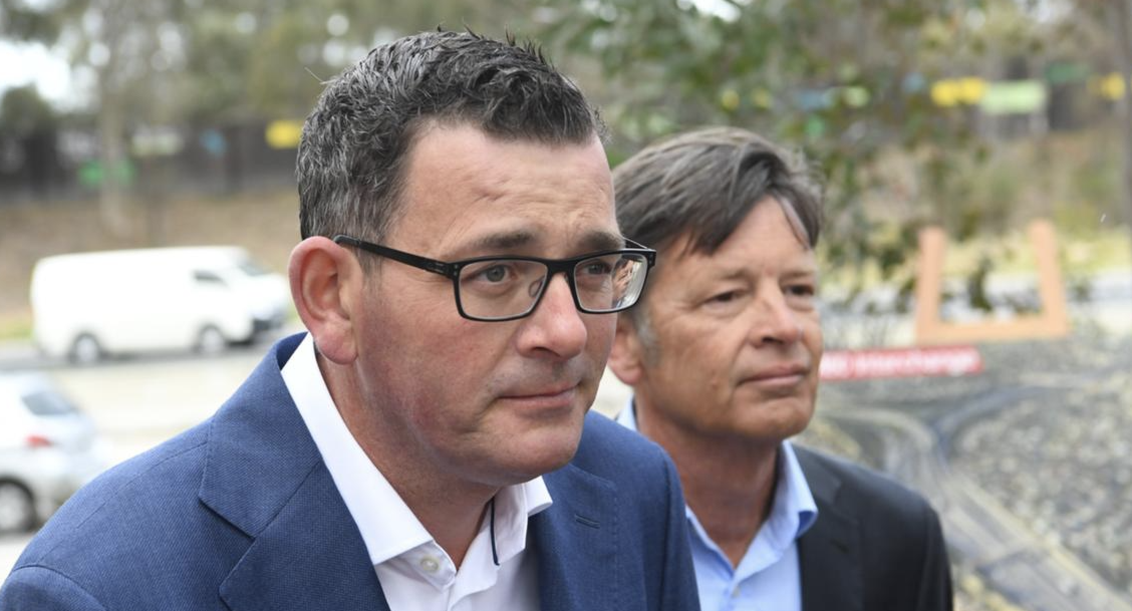 Victorian Labor minister Luke Donnellan resigns after IBAC allegations