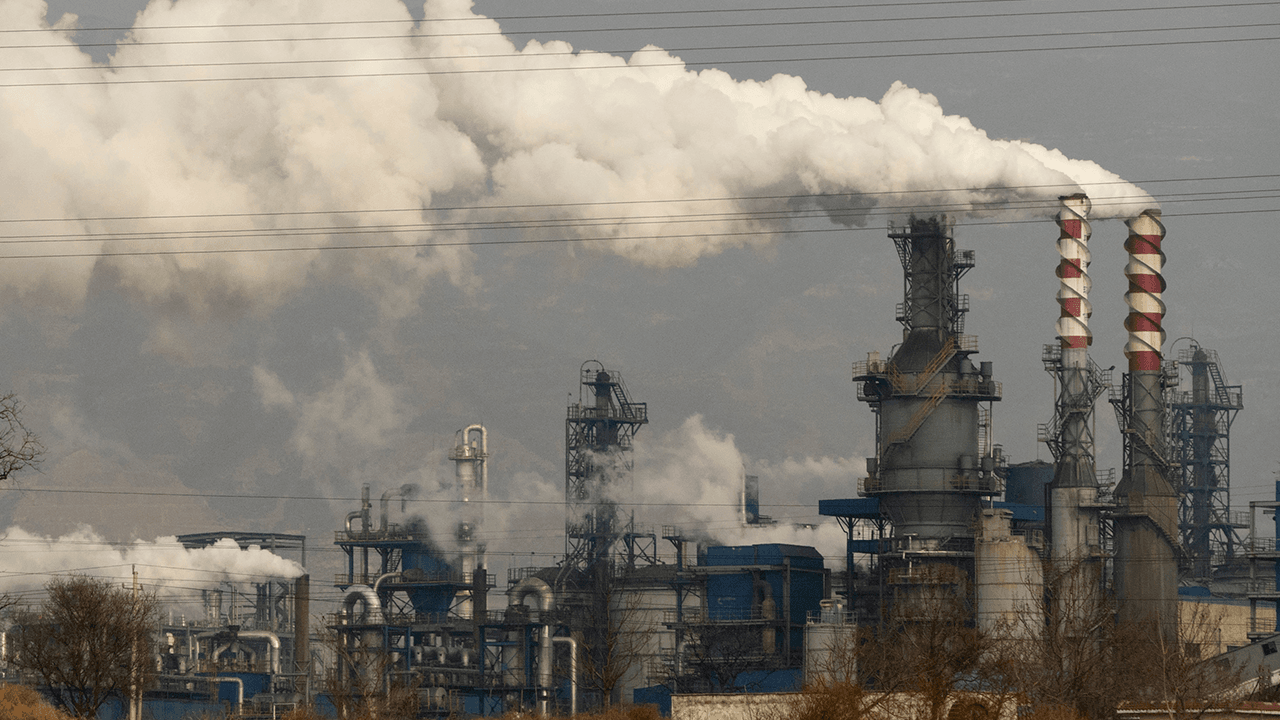 China announces construction of more coal plants ahead of U.N. climate summit