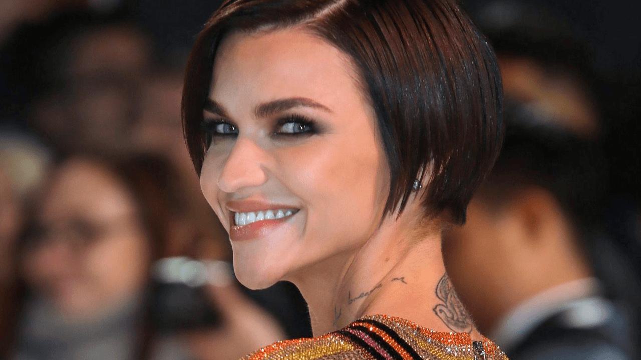 Former 'Batwoman' actress claims set was dangerous, toxic; Warner Bros. repsonds