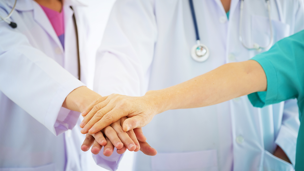 Four Alberta doctors sue Alberta Health Services over vaccine mandate