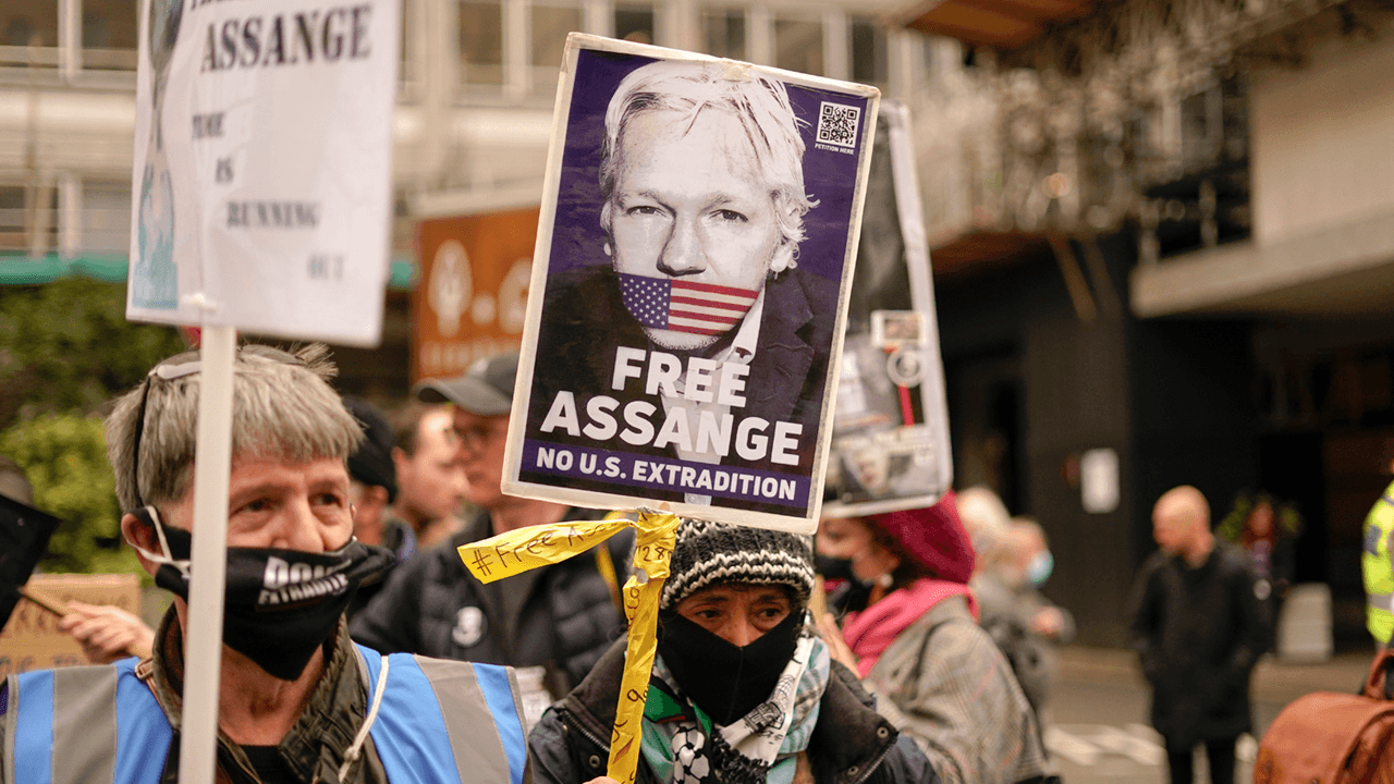 Biden admin requests extradition of Wikileaks founder Julian Assange to the U.S.