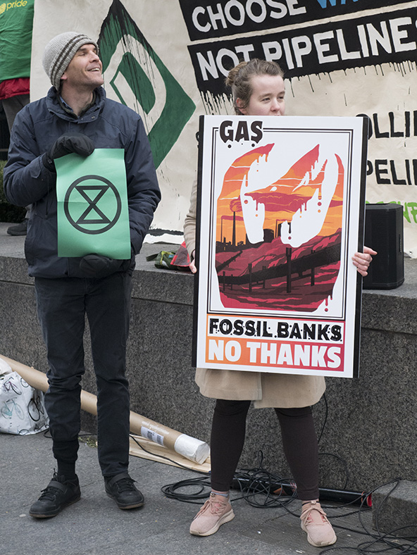 TO350 April 4 Divest Fossil Banks Action
