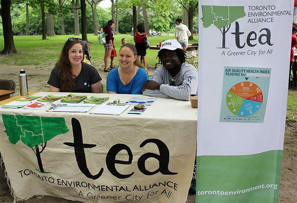 Outreach-Volunteers-Tabling.jpg