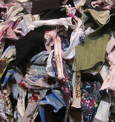 fa97077e7d847c Textile recycling - what to do with old clothing - Waste Free TO