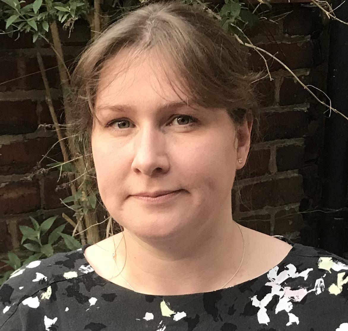 Dr Anna Fryer