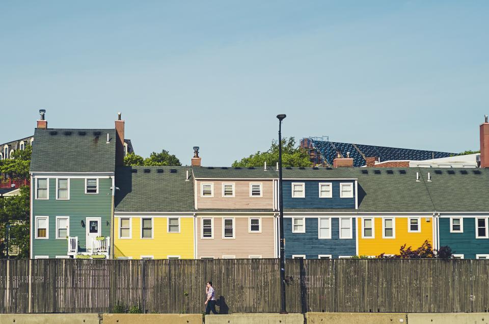 neighborhood-houses_E1WPGCLOC3.jpeg