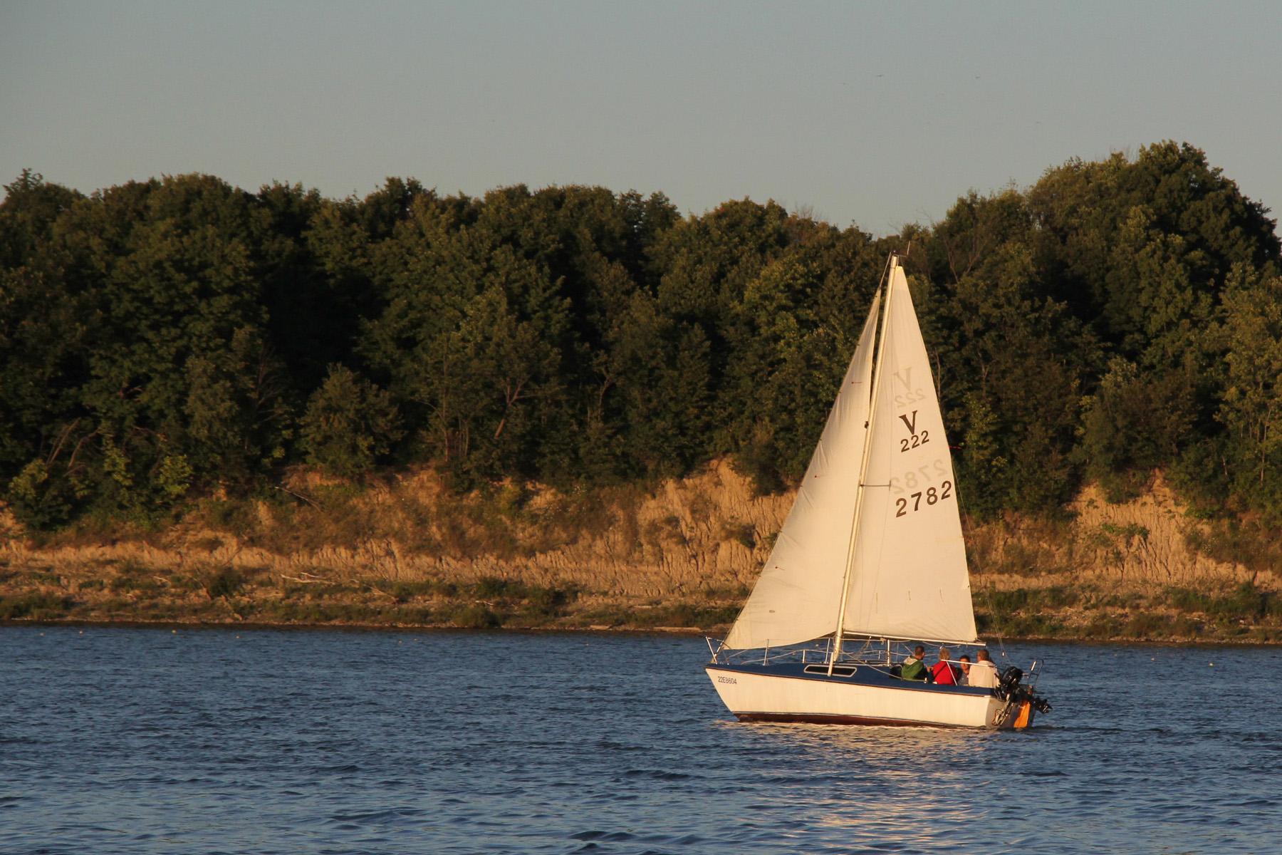 DGW_7741_TTLT_sailing_2.jpg