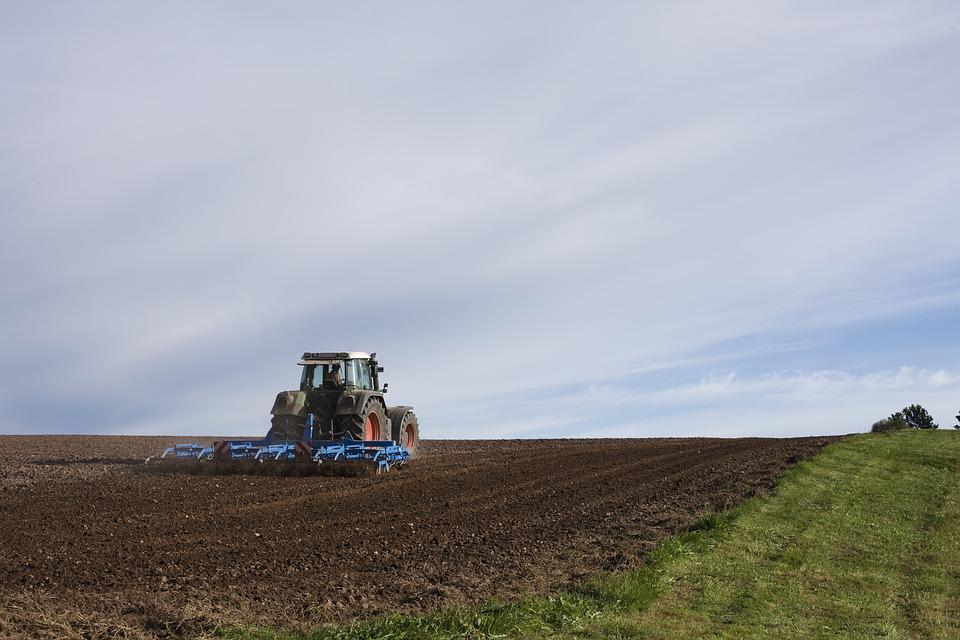 agricultural-machine-1918989_960_720.jpg