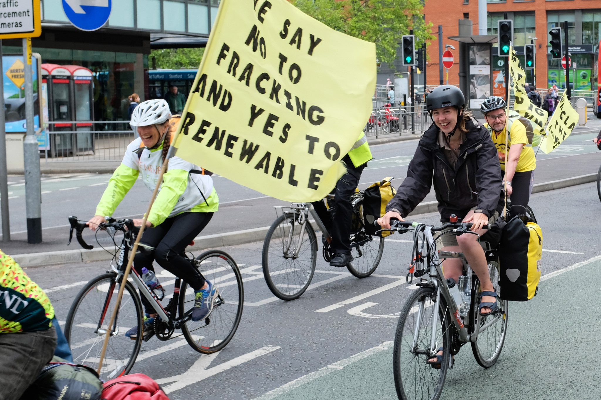 Anti-fracking bike ride: Fracking Protestors in Lancashire as part of the #RollingResistance