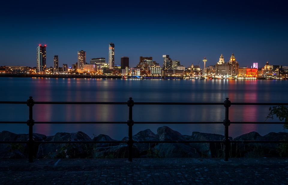 Liverpool_night_light.jpg