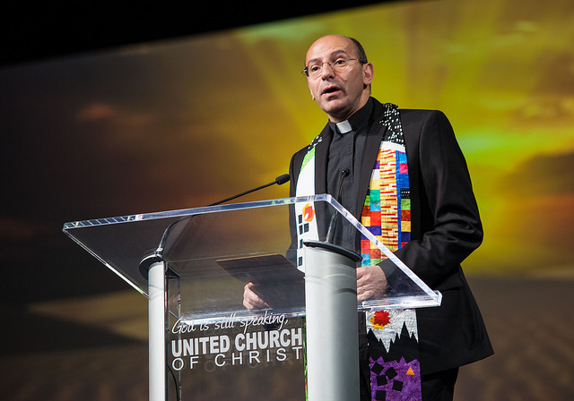 Mitri_Raheb-General_Synod_30.jpg