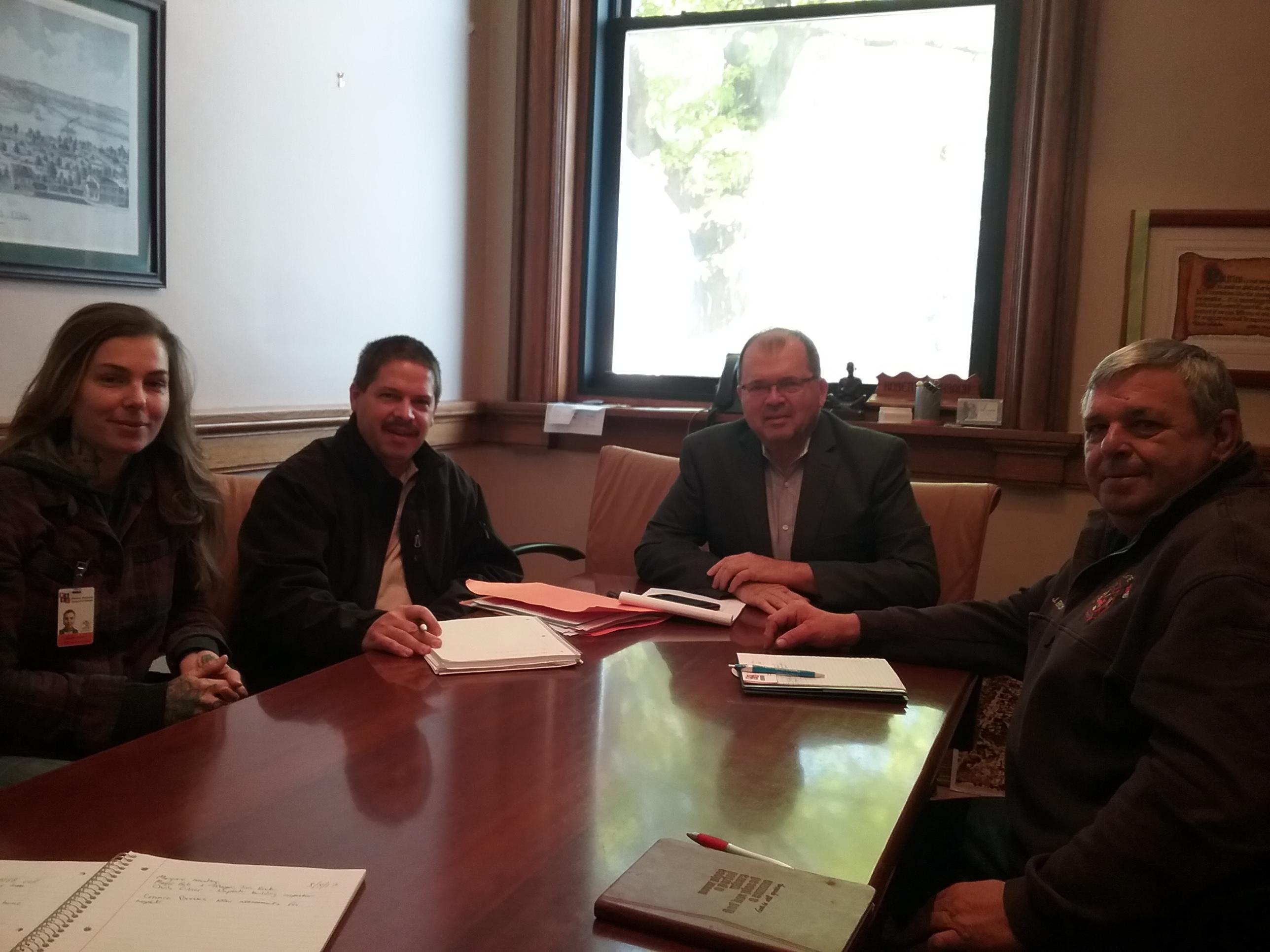 Meeting_Mayors_Ottawa_and_Naplate.jpg