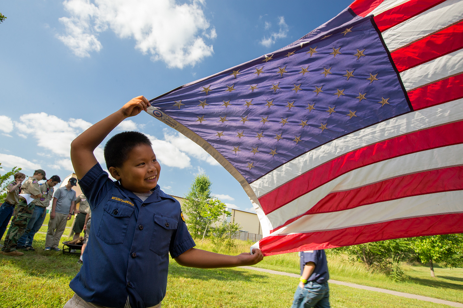 fort-meade-Boy-Scouts-Retire-Flags.jpg