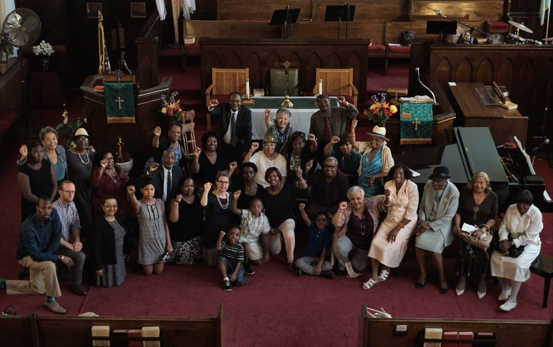 Nazarene_Congregational-Kneeling.jpg