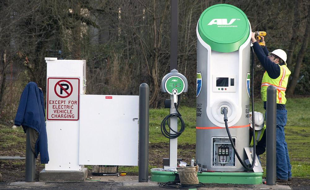 EV_charging_station_1000.jpg