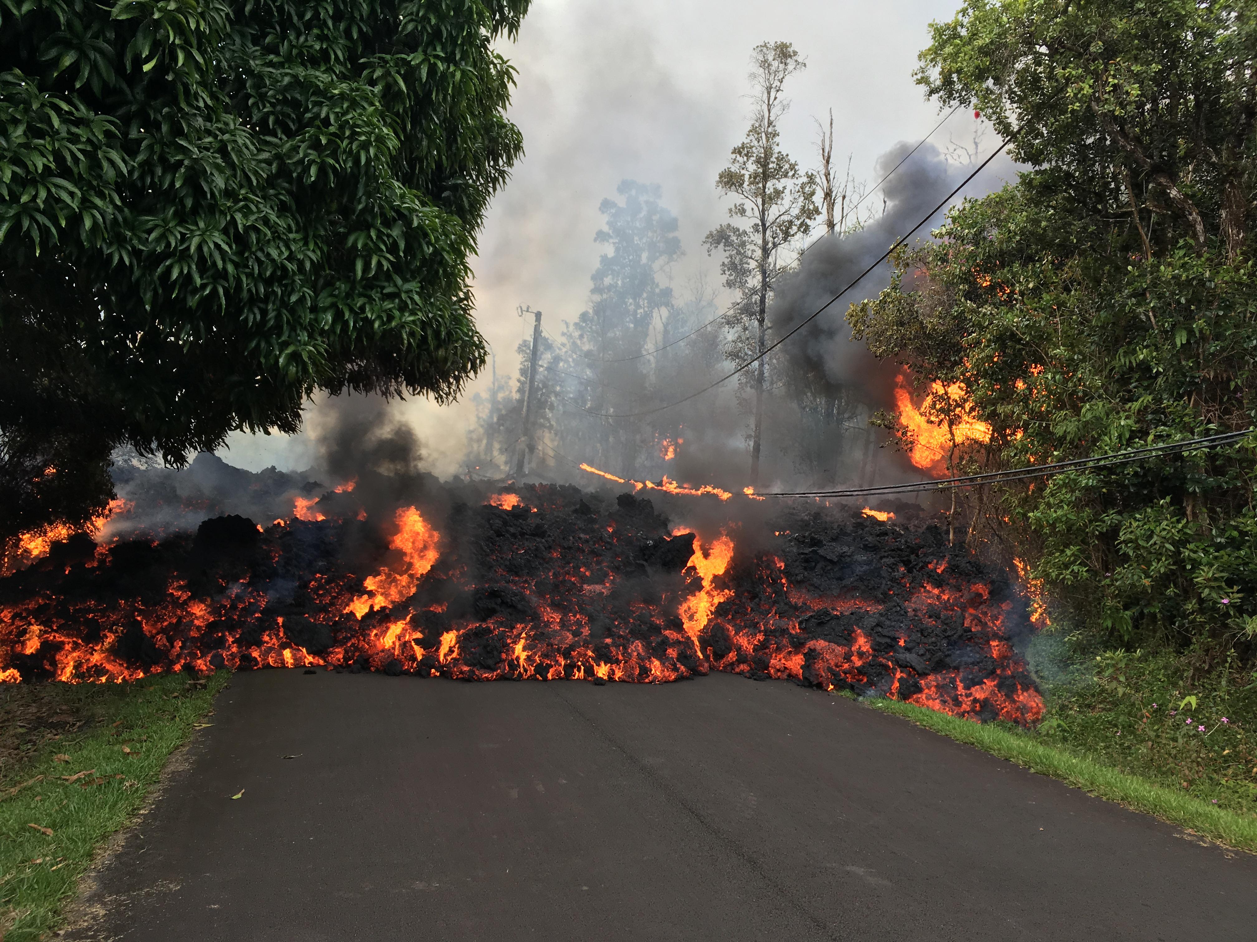 HawaiiLavaflow.jpg
