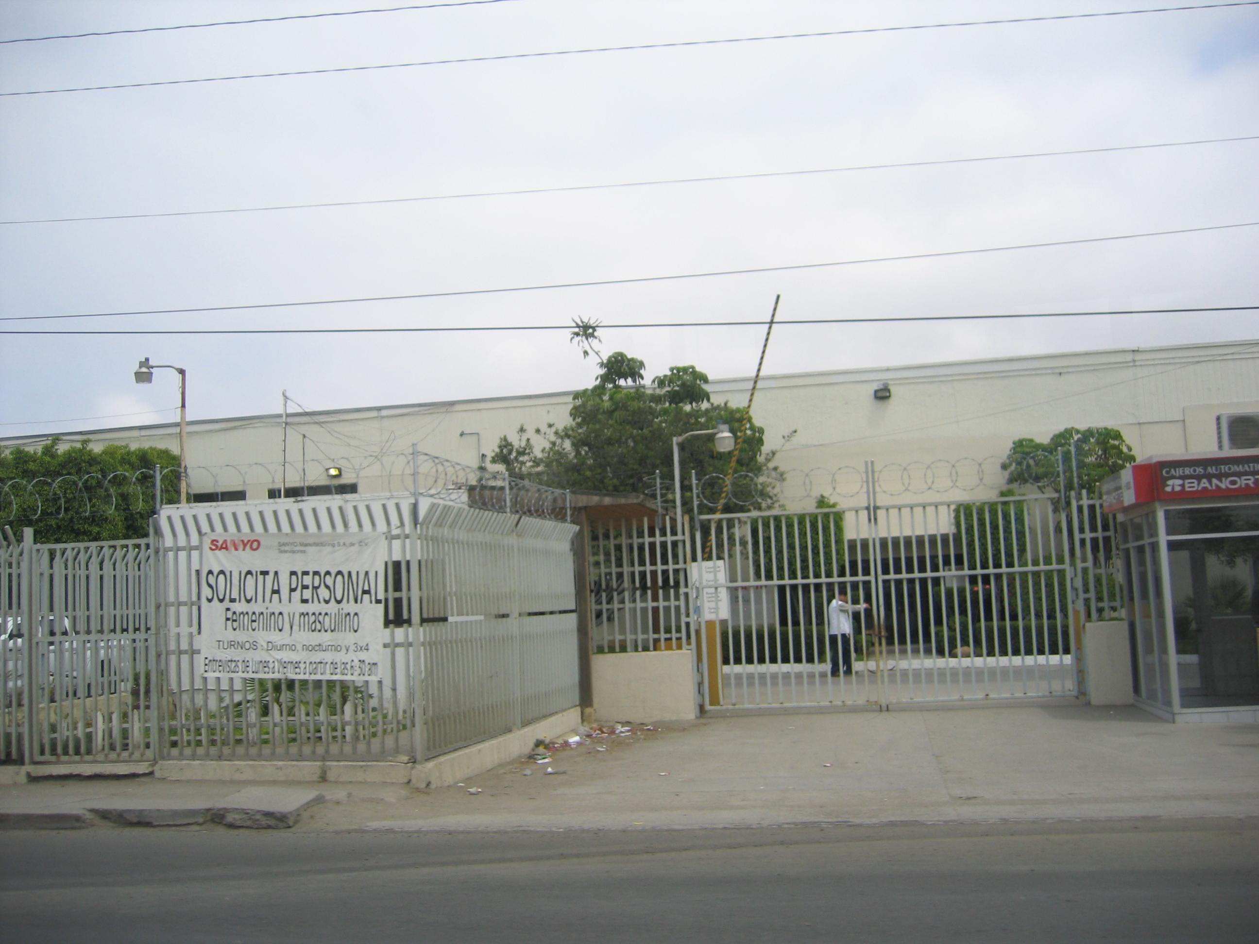 Mexico_border_2008_Derek_Duncan_04.jpg