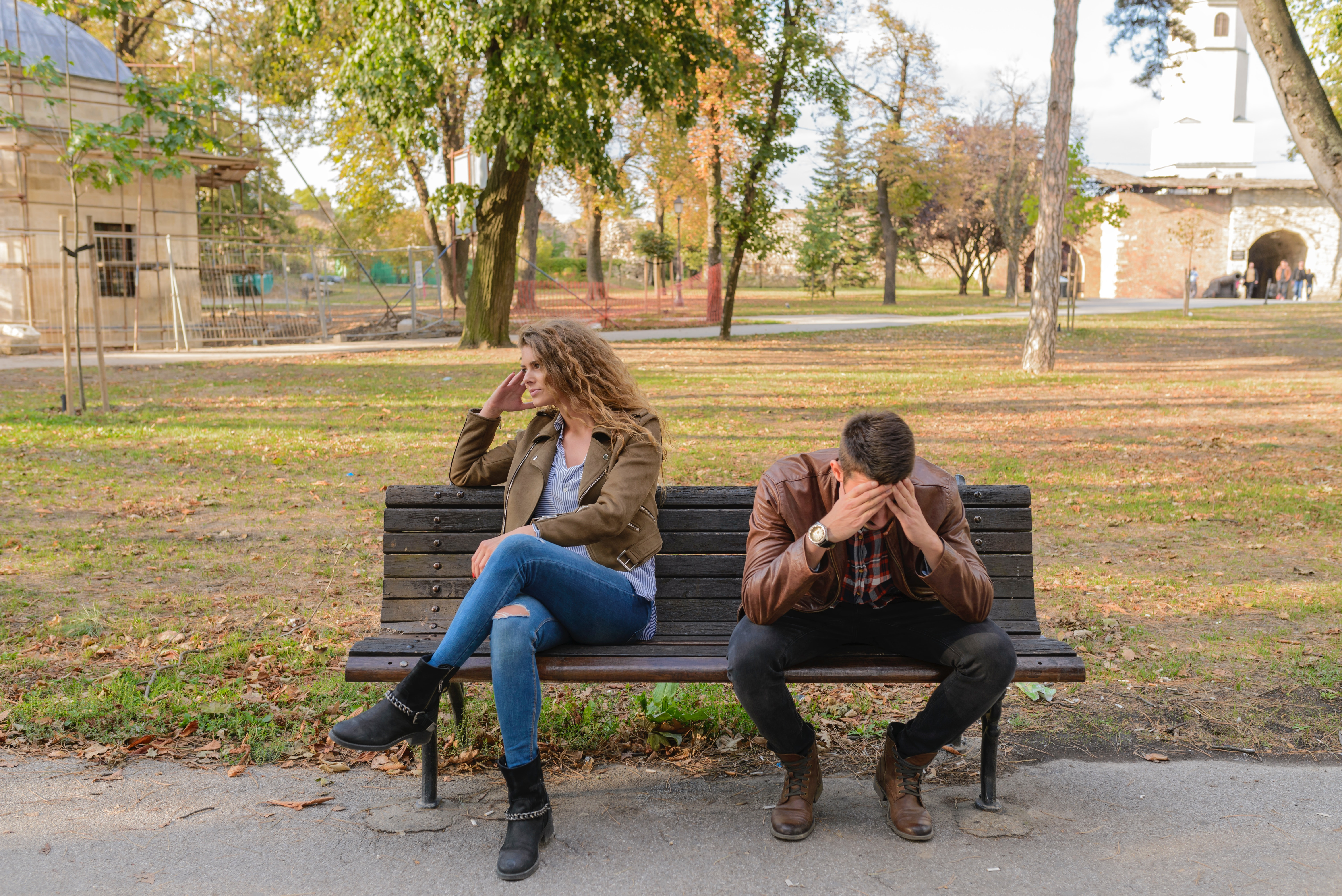argument-bench-breakup-984949.jpg