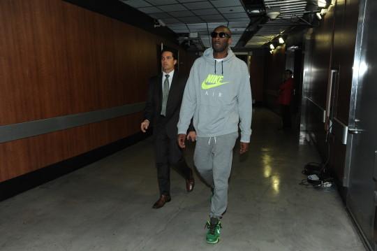 Philadelphia 76ers v Los Angeles Lakers