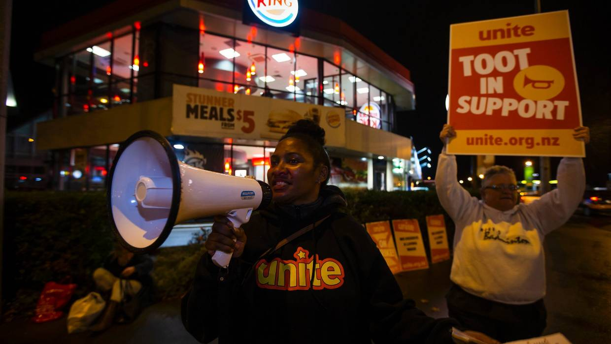 Burger King union members in Palmerston North picket their resturant, during the nation-wide strike in 2017