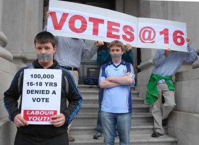 poll-voting-age-16-390x285.jpg