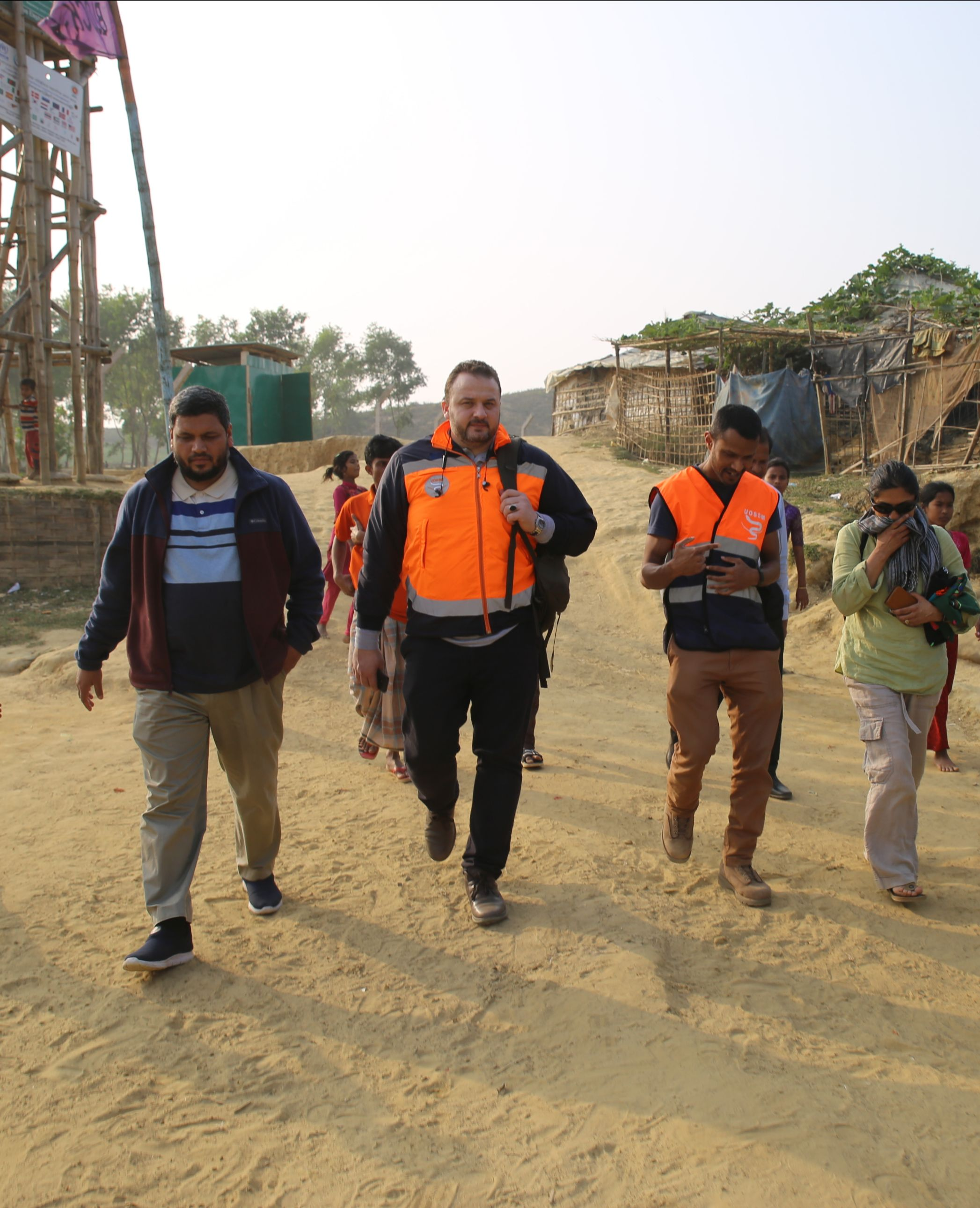 UOSSM Representative meets in Bangladesh to explore future medical projects