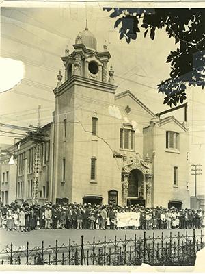 La-Plaza-UMC-1925_opt.jpg