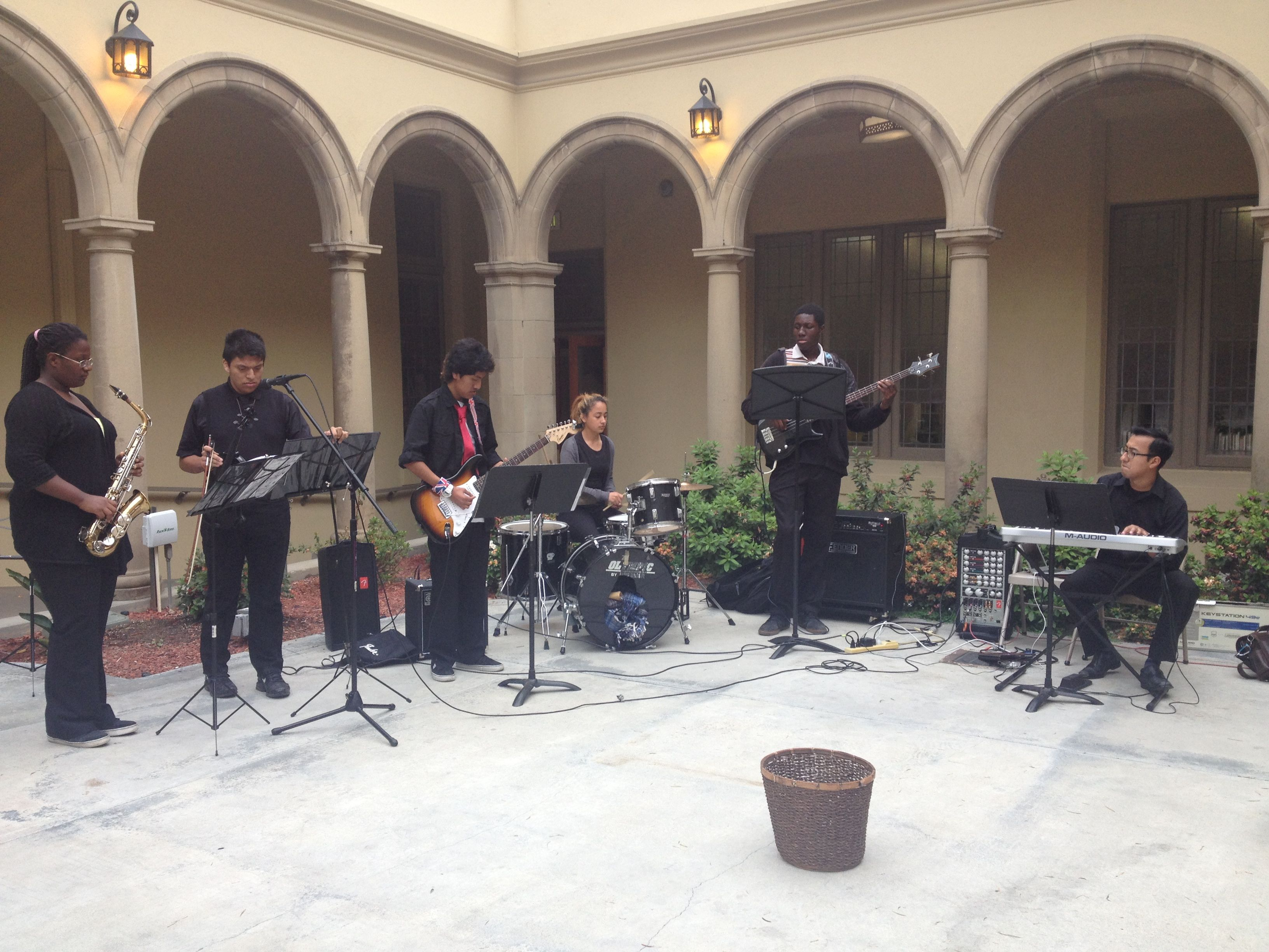 band_at_Pasadena_UMC_closeup.jpg