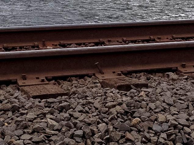 Loose rails