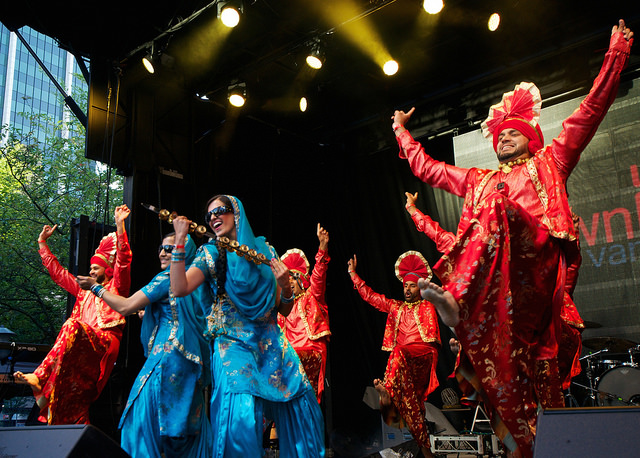 VIBC_Downtown_Bhangra_4_Photo_Joe_Carlson.jpg