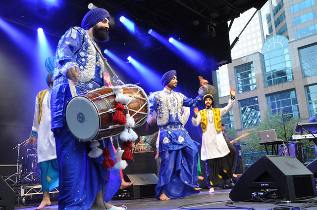 VIBC_Downtown_Bhangra_2_Photo_Joe_Carlson.jpg