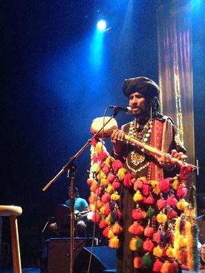 Saieen-Zahoor-onstage-Vancouver-2.jpg