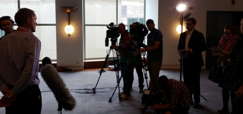 Charlie_press_conference_after_Canberra_Senate_hearing_shrunk_20150519.jpg