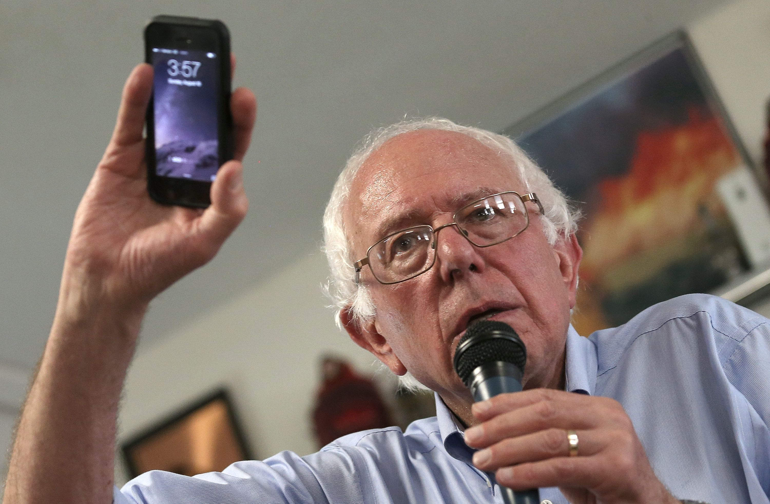berniephone.jpg