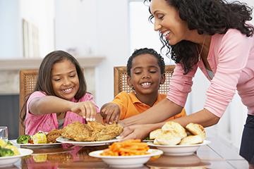 Family_Dinner_2.jpg
