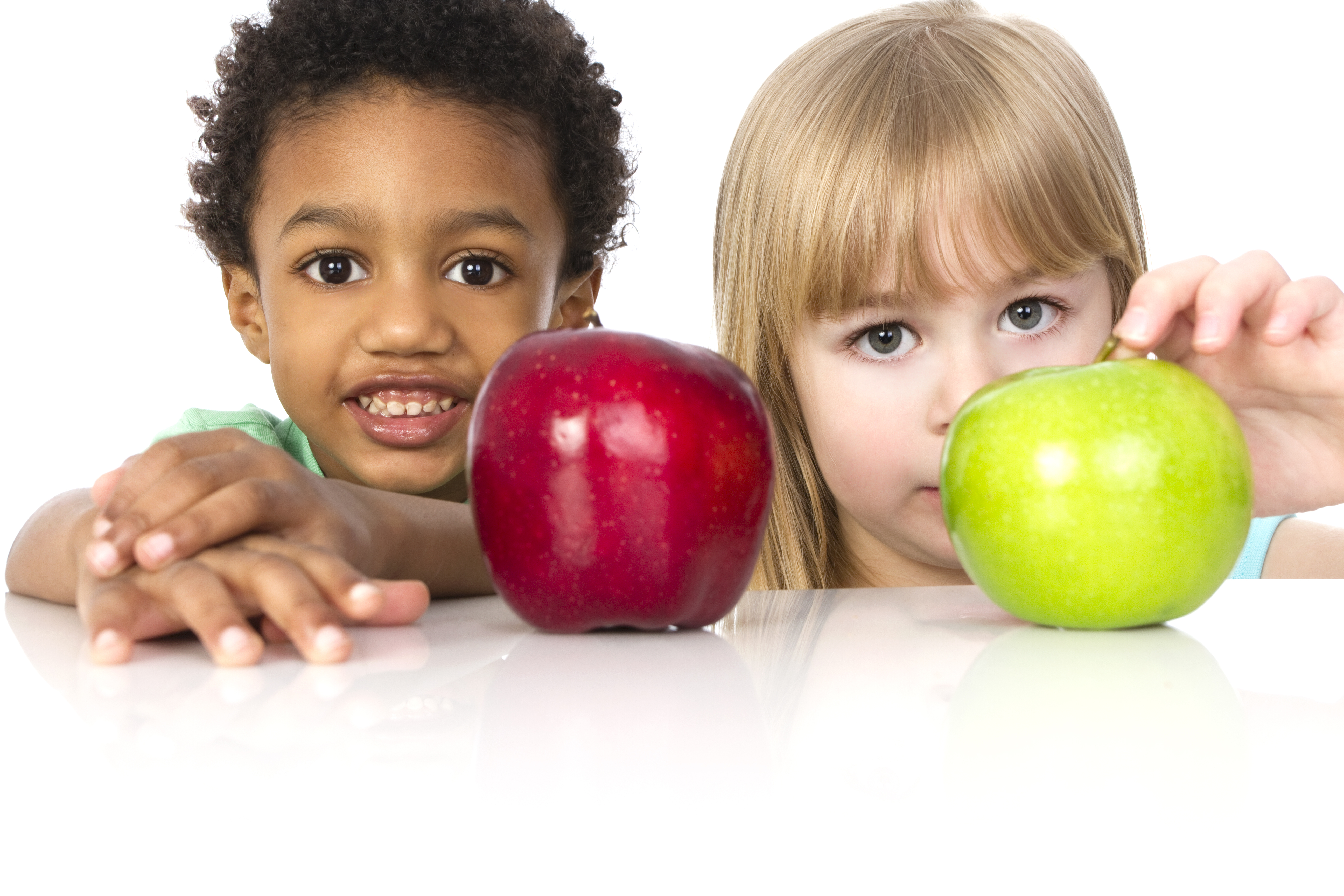 TV Food Advertising Affects Preschoolers' Snacking Habits