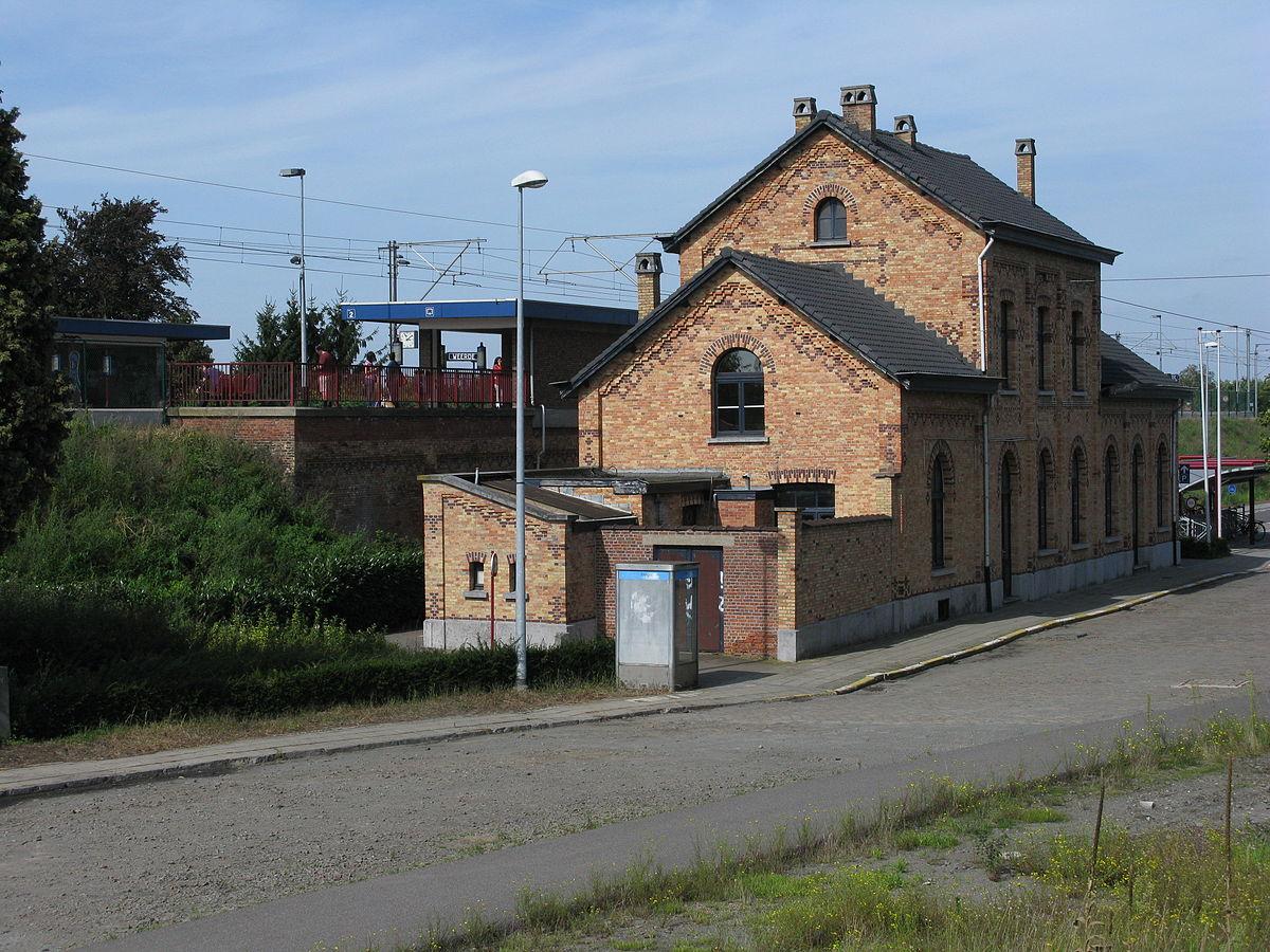 1200px-Station_Weerde.jpg