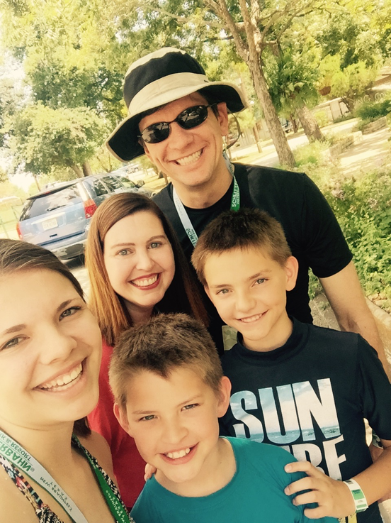 Family_at_Schlitterbahn_pic.png