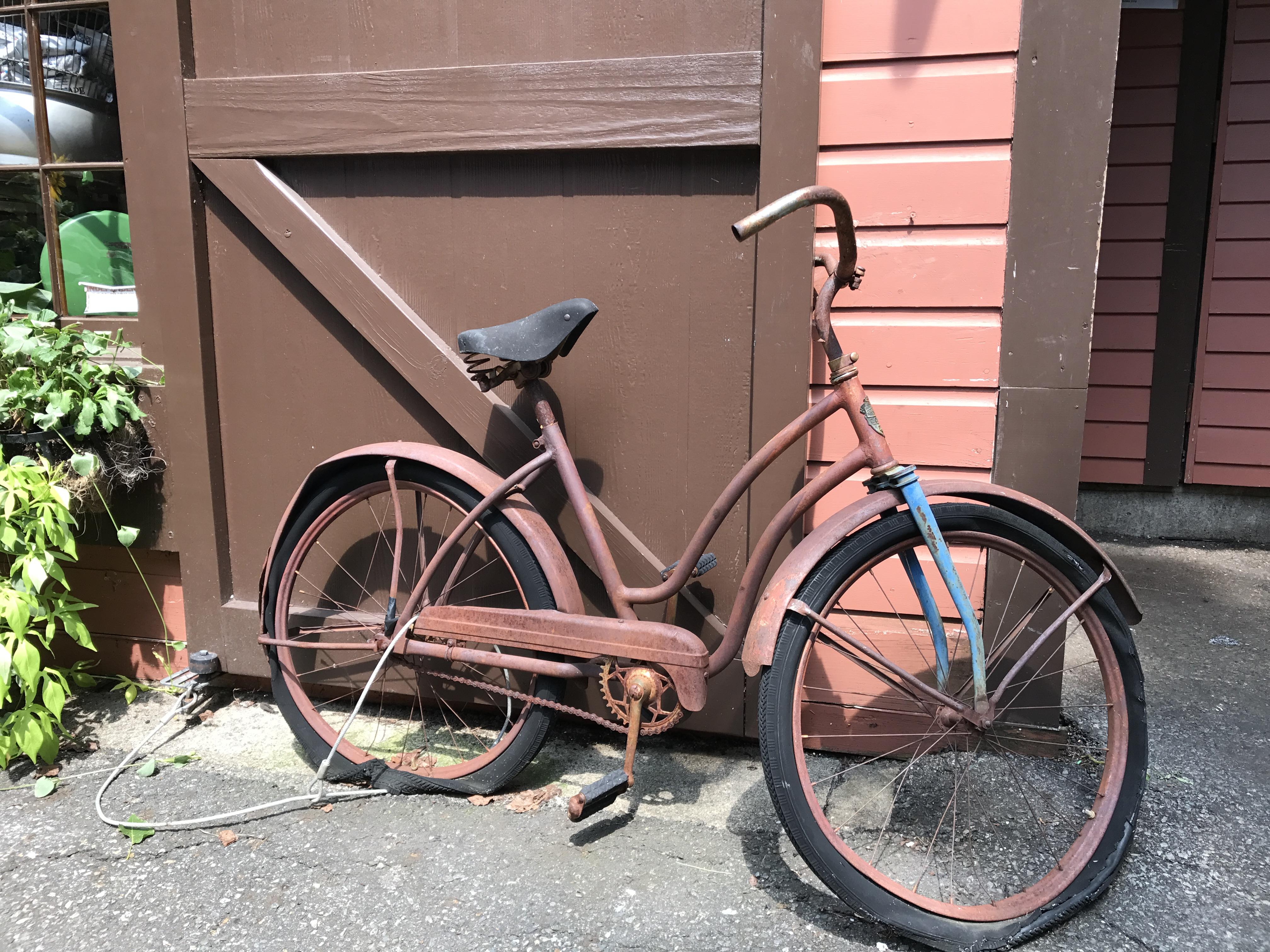 Old_Bicycle_Boston.jpeg