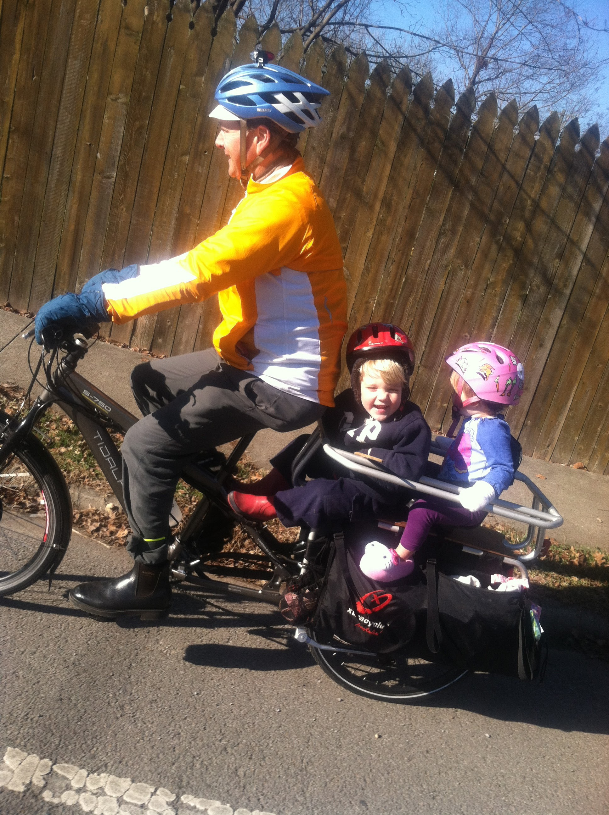 Johnson Family on Xtracycle