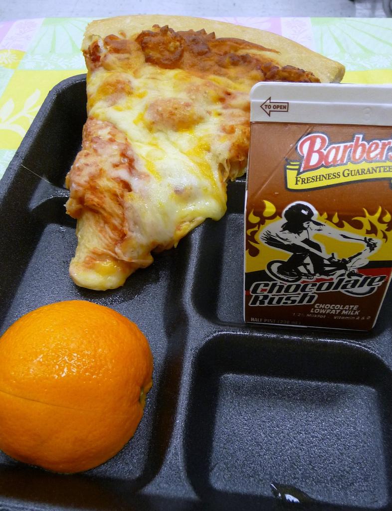 school_lunch_pizza_day.jpg