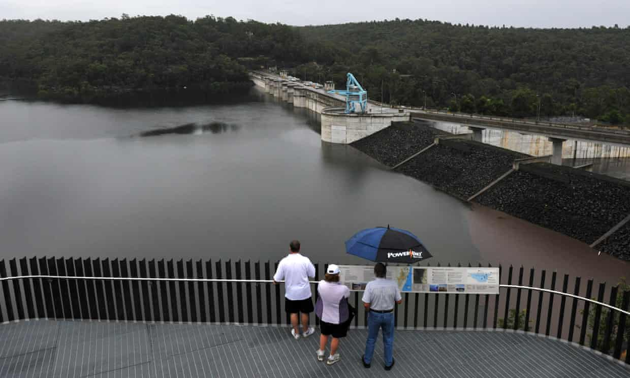 Warragamba dam: NSW government urged by own advisory panel to reconsider plan  Image