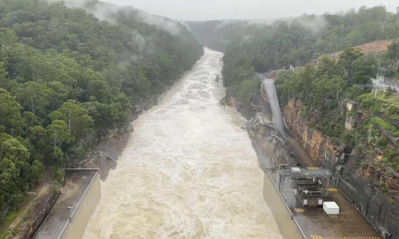 Warragamba Dam: would a higher wall have prevented Sydney flooding? Image
